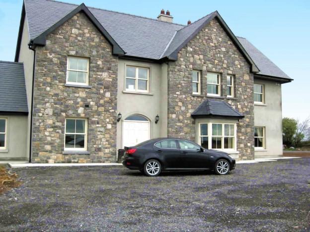 Ireland Stone Building : Grey limestone exterior qc stonemasons